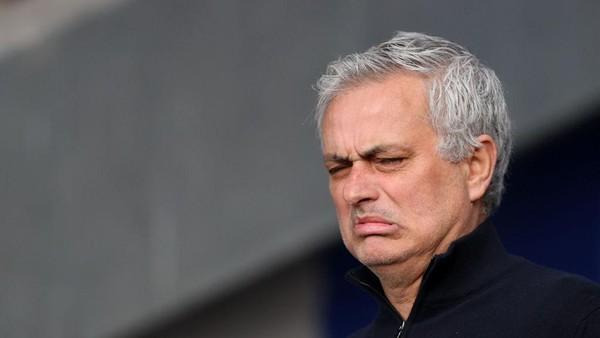 Mourinho Buktikan Ucapannya Jadi Pelatih Tim Rival Inter